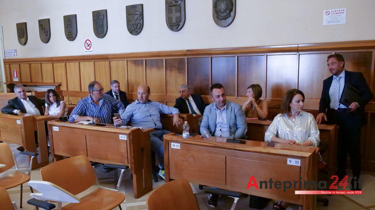 Smottamenti nella maggioranza a palazzo Mosti: nasce un nuovo gruppo autonomo?
