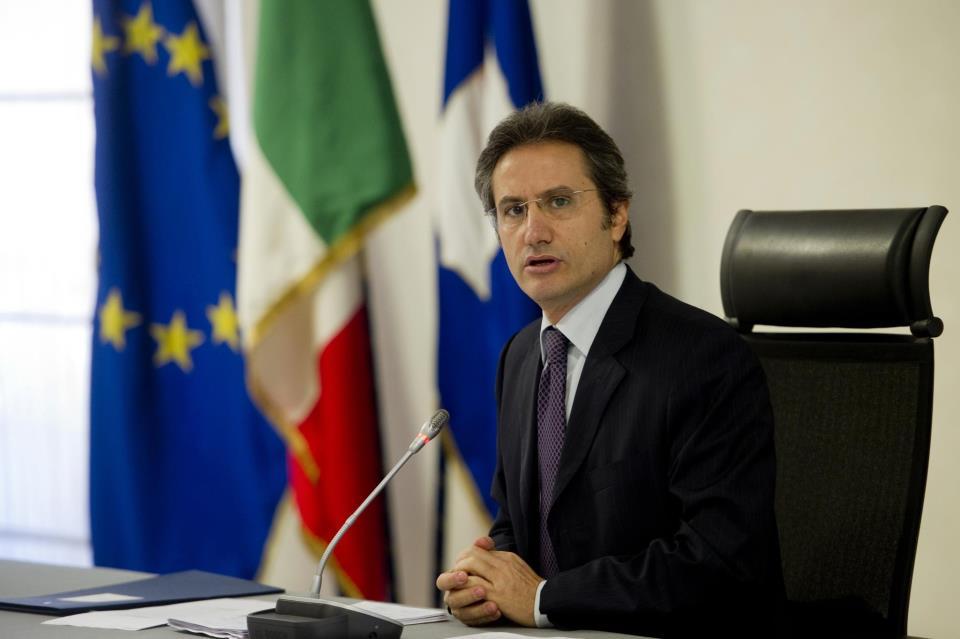 Caldoro boccia il Piano lavoro della Regione: «Una truffa, quei posti erano già previsti»