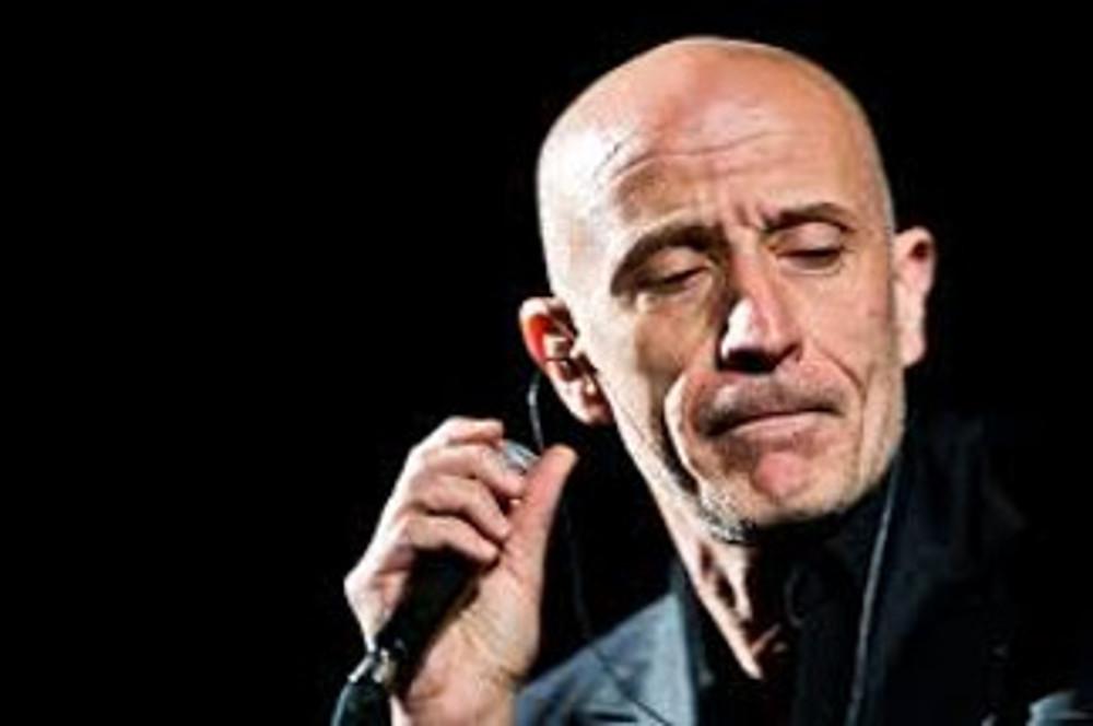 Camera In Tour Peppe Servillo Canta Le Canzoni Di Adriano Celentano