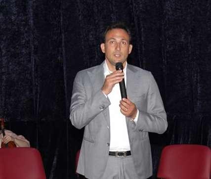 Teverola, si dimettono nove consiglieri: il sindaco Di Matteo va a casa