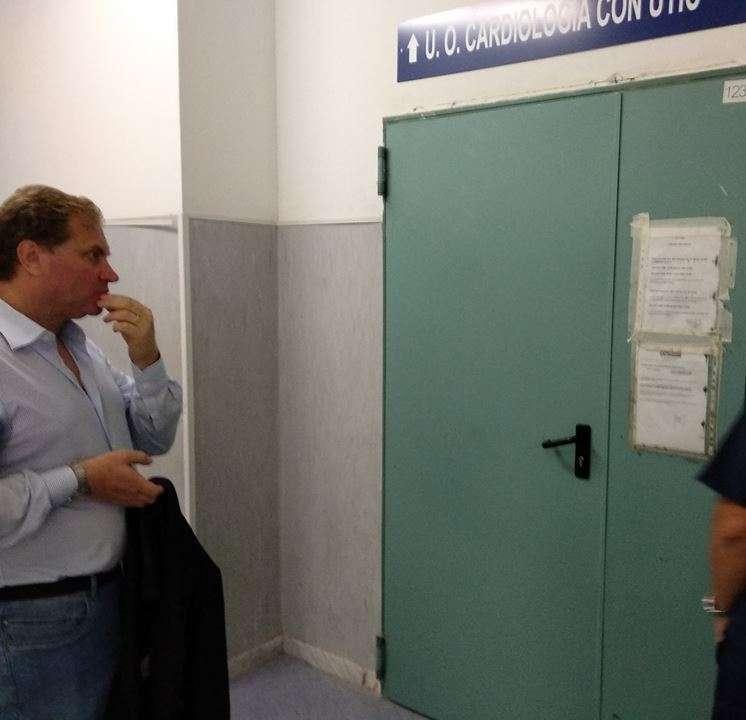 Aversa, blitz di Graziano all'ospedale: assente un medico del Ps