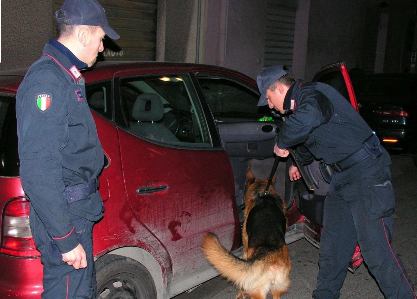 Spaccio di droga e detenzione di armi, denunce e segnalazioni in Valle Caudina