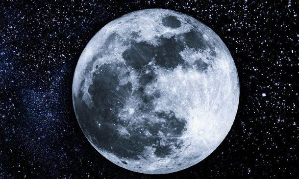 Sabato appuntamento con la… Luna: osservazione da piazza IV Novembre