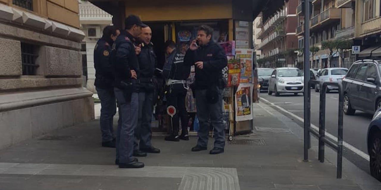 Rapina all'edicola di via De Sanctis: beccati i due malviventi