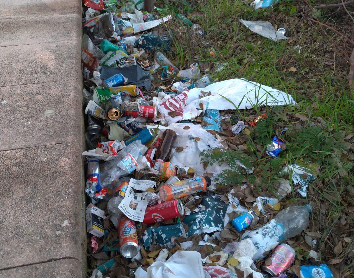 Torre del Greco: gente in strada contro l'emergenza rifiuti