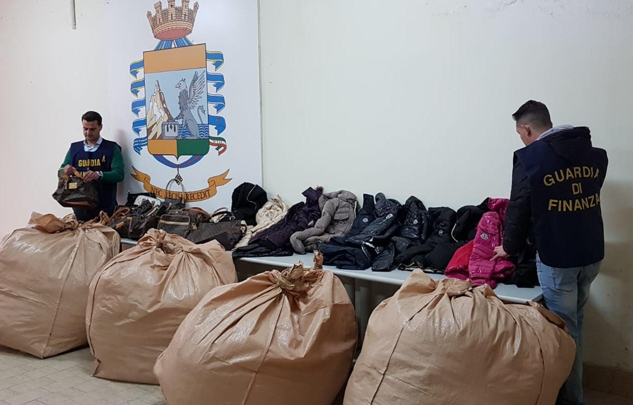 Lotta alla contraffazione: maxi-operazione della guardia di finanza di Caserta