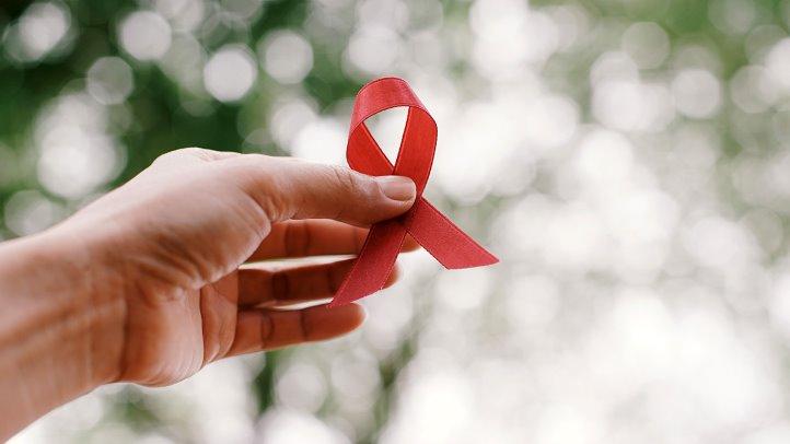 Giornata mondiale contro l'AIDS: volantinaggio dei GD lecchesi