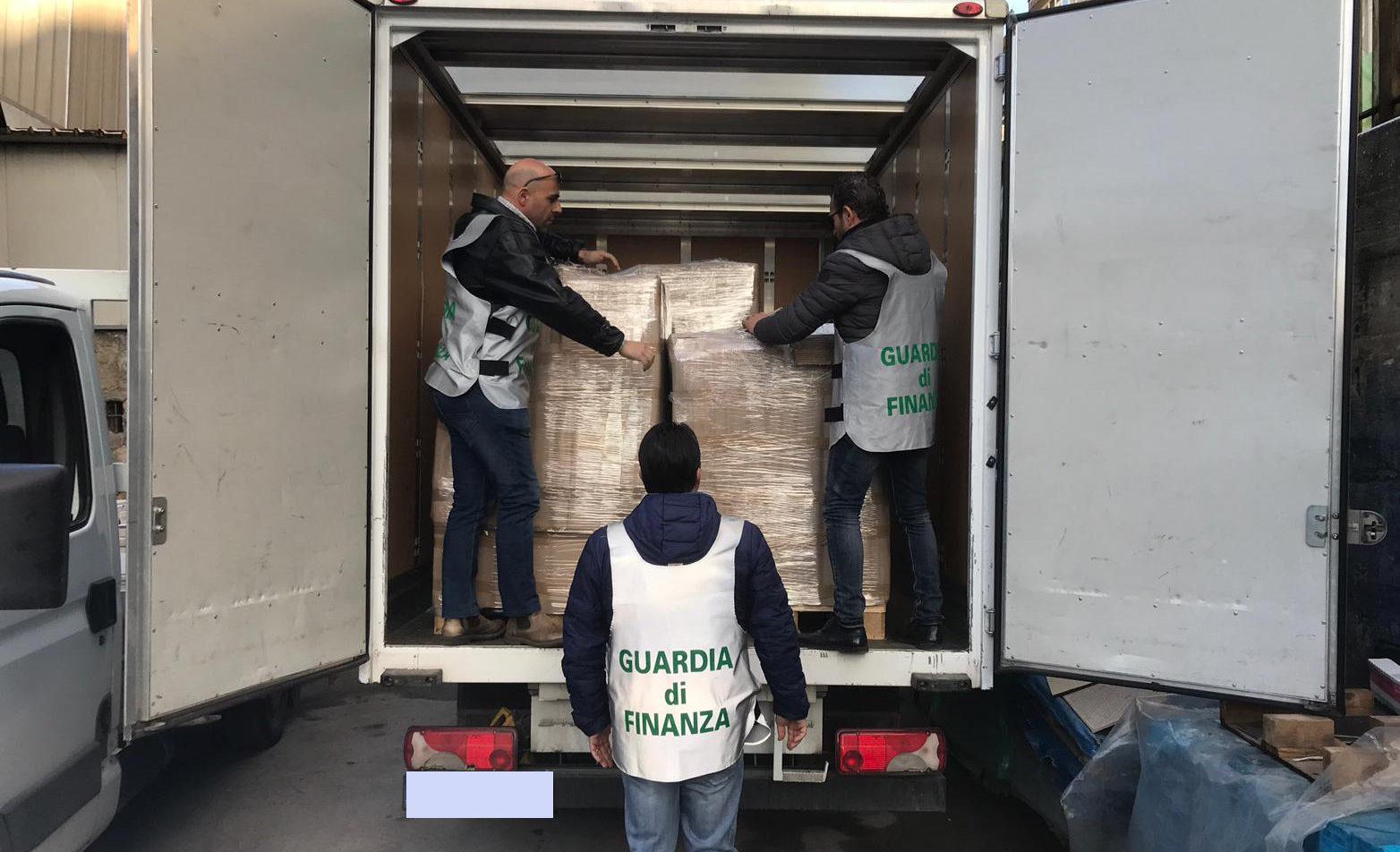 Caserta, sequestrate sigarette di contrabbando provenienti dalla Romania