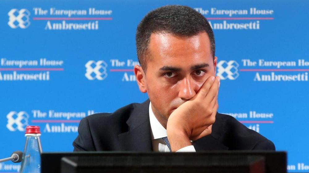 """Scuola, Di Maio risponde a Bussetti: """"Deve chiedere scusa"""""""