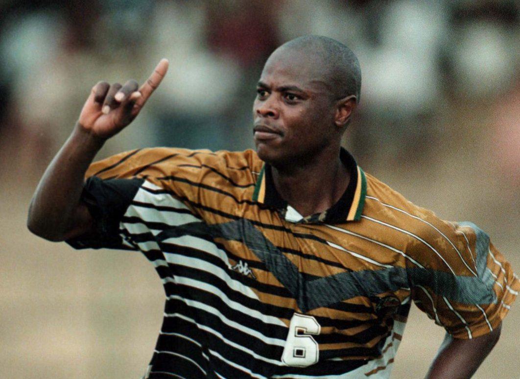 A 49 anni muore Masinga, il giocatore che regalò la salvezza alla Salernitana nel '97