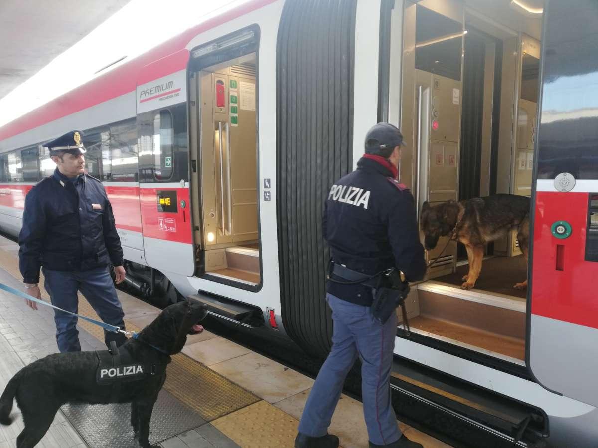 Intensificati i controlli nelle stazioni ferroviarie: arresti per evasione