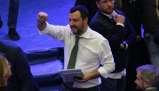 """Ordigni Afragola, Salvini: """"Lo Stato è più forte di qualche balordo"""""""
