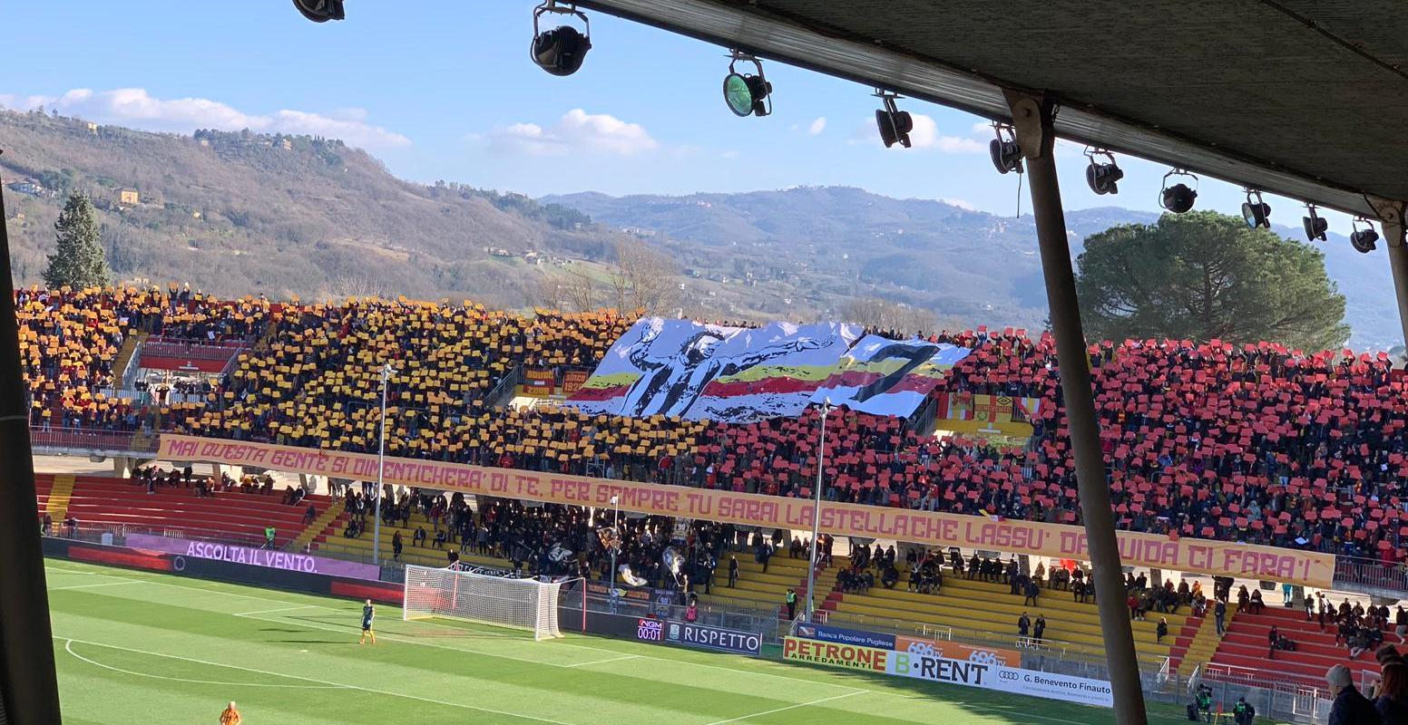 Lo stadio ricorda Imbriani: una coreografia da brividi e un sogno da realizzare