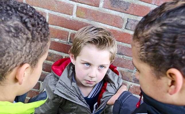 Serino, quindicenne autistico bullizzato a scuola tenta di togliersi la vita
