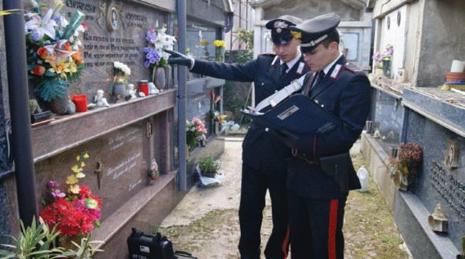 I ladri dell'oro rosso in azione in Irpinia, saccheggiato il cimitero di Montoro