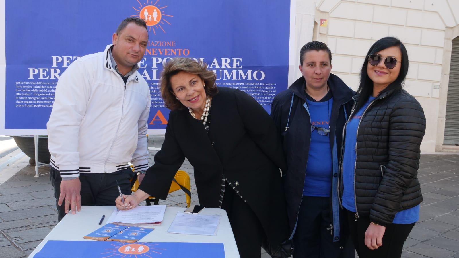 """'Via i vertici del Rummo', firma la Lonardo: """"Ospedale da quarto mondo, De Luca si informi invece di predicare"""""""