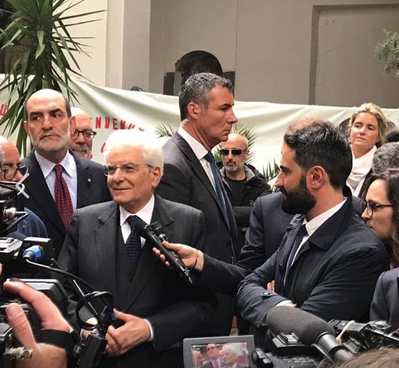 """Mattarella e l'orgoglio del Rione Sanità: """"Napoli rinasce da qui, il futuro è vostro"""""""