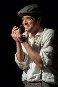 """Al Teatro Genovesi """"Noi, Pupazzi – storia di una vita sconvo"""