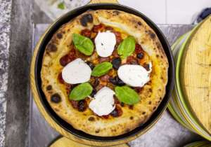 """""""Ringhio Star"""": arriva la pizza amuleto per il neo mister del Napoli"""