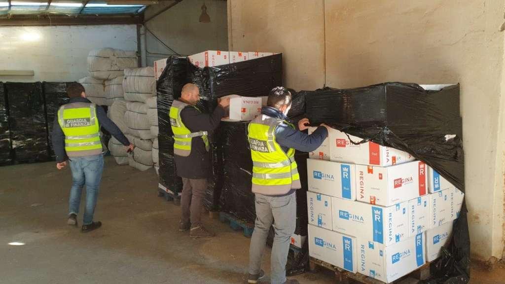 Oltre 9 tonnellate di sigarette di contrabbando |  arrestato 53enne