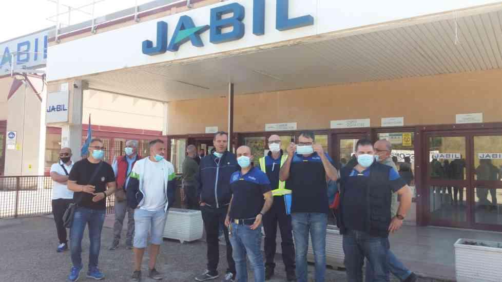 Jabil, i lavoratori Whirlpool al presidio: solidarietà ai li