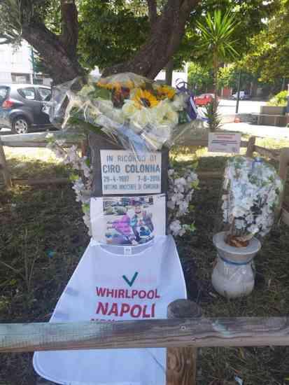 """Napoli ricorda Ciro Colonna insieme agli operai Whirlpool: """""""