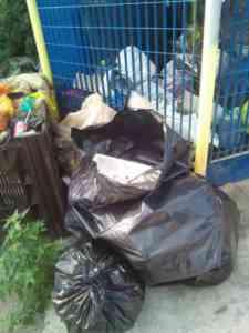 Salerno, è guerra agli incivili dei rifiuti (FOTO)
