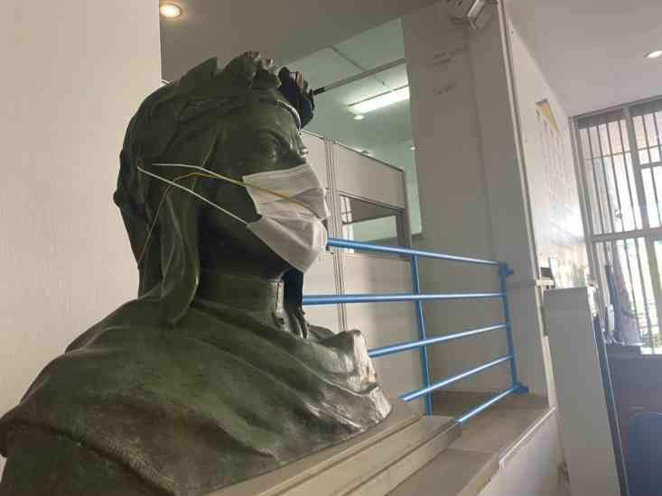 Salerno, al liceo De Sanctis anche Dante con la mascherina