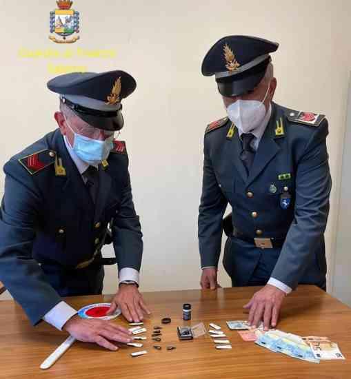 Nocera Inferiore, spaccio di cocaina durante il lockdown: arrestato 58enne