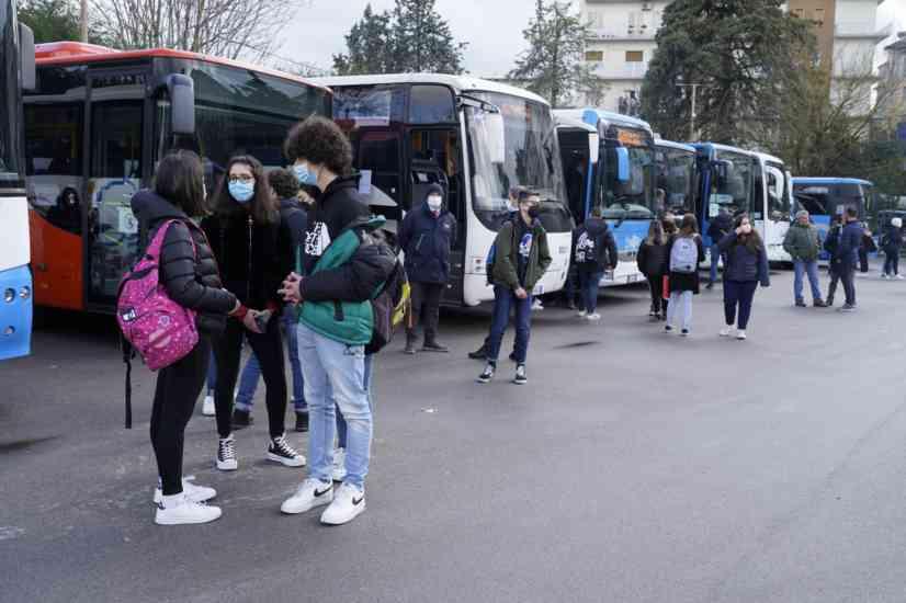 Scuola in Sicilia: da lunedì si torna in classe. Superiori al 50%