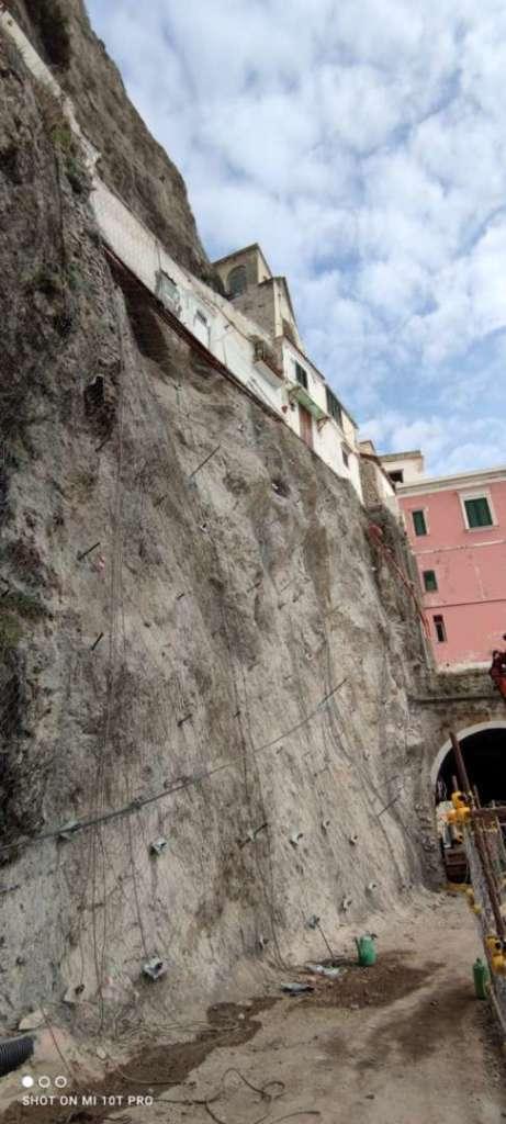 Amalfi, quasi finita la messa in sicurezza del costone roccioso (FOTO)