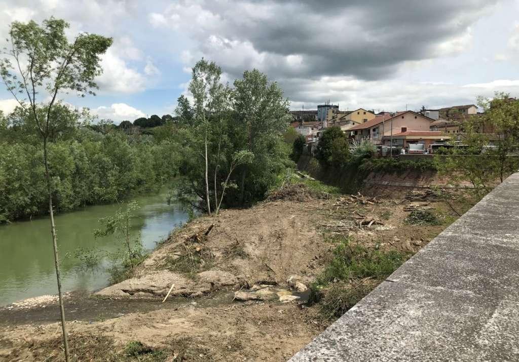 """Fiume Calore, la denuncia di Picone: """"Ingenti danni al corridoio ecologico fluviale"""""""