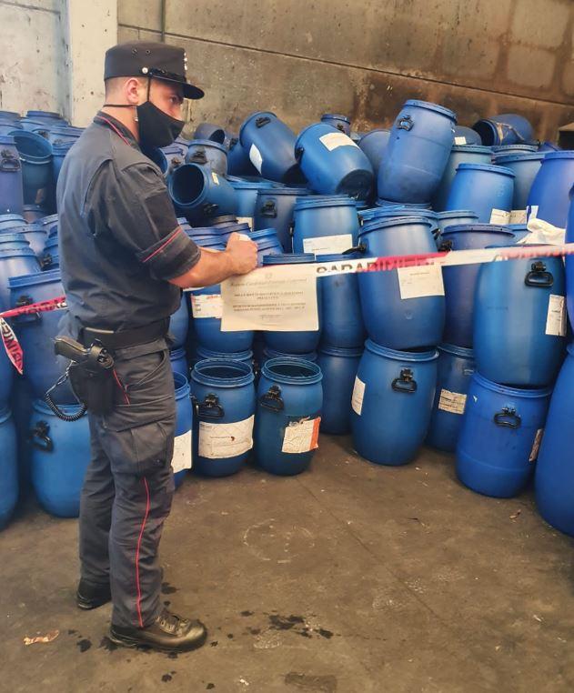 Buccino, deposito incontrollato di rifiuti: area sotto sequestro e sanzione ad imprenditore